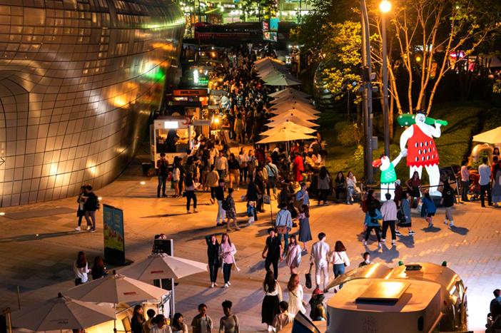 Đêm của tôi vui hơn ngày của bạn, Chợ đêm Bamdokkaebi