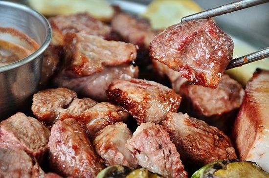 Thịt lợn đen nướng trên đảo Jeju