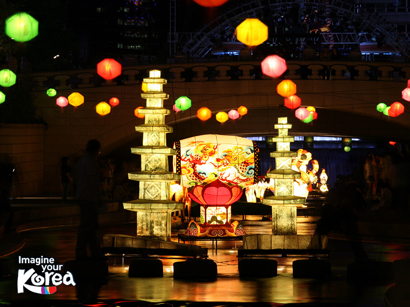 Lễ hội đèn lồng Seoul là thời điểm thu hút rất nhiều du khách