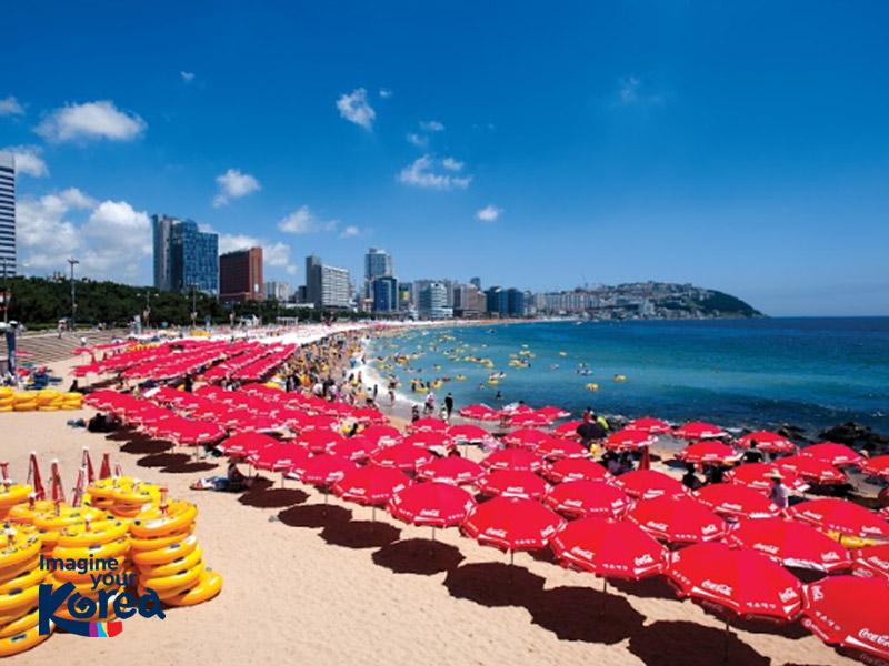 Bãi biển Haeundae xanh biếc luôn là điểm đến lý tưởng vào mùa hè của mọi du khách